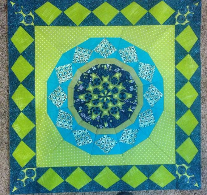 Celestial Star with border pattern by Joanna, @kustomkwilts