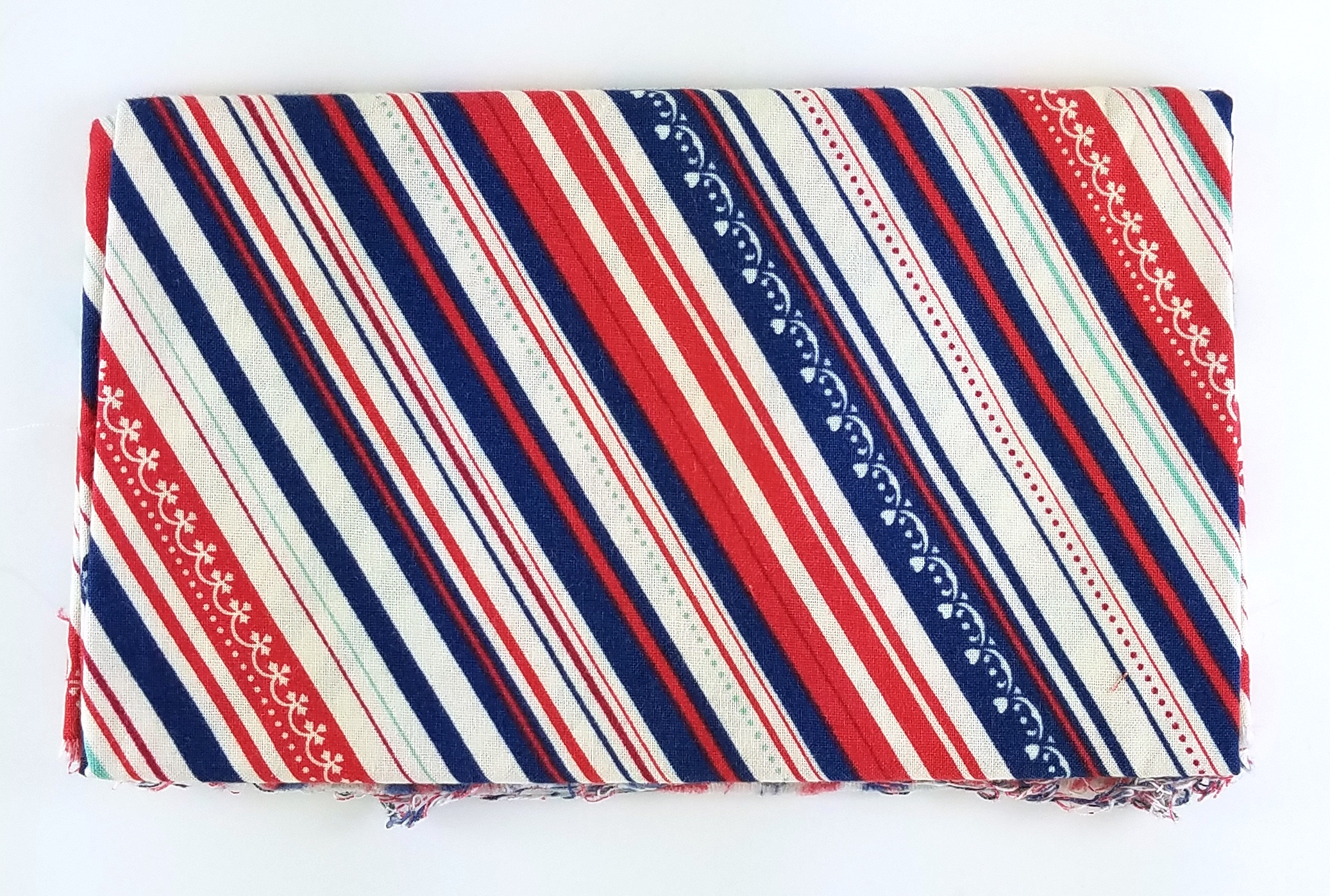 1:2 yrd minus square, washed Liberty stripes